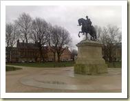 Platz und Denkmal