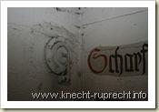 Flughafen Tempelhof: Druckausgleichsklappe im Luftschutzbunker