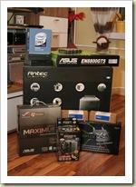 diverse PC-Komponenten vor dem Einbau